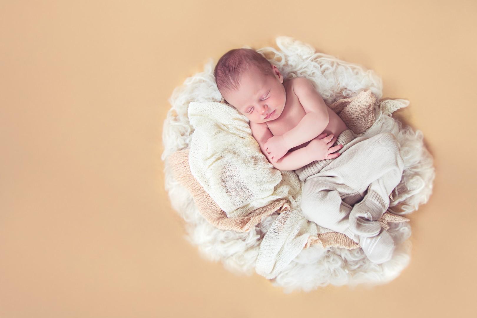 2017-02-08 Newborn David (12)
